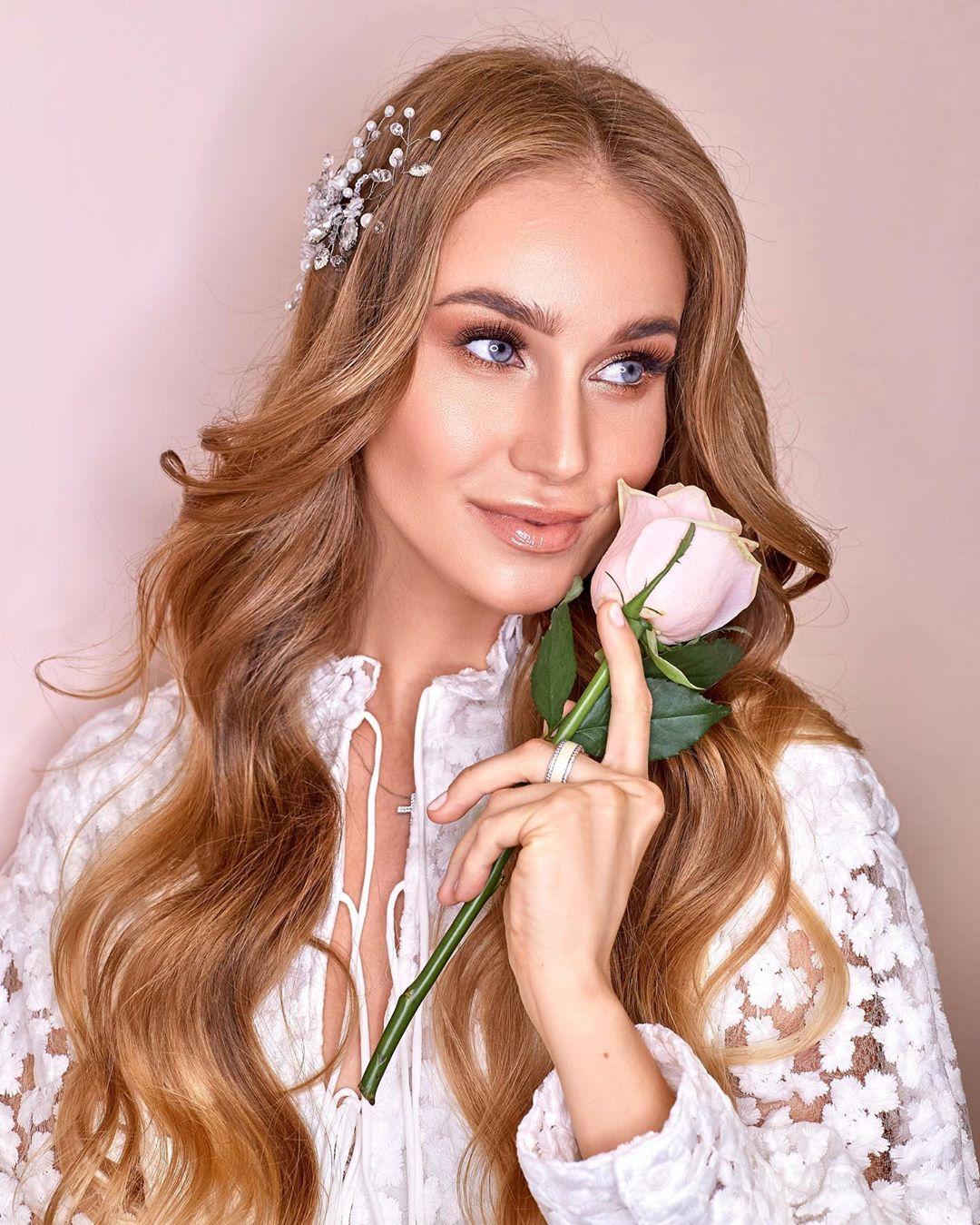 """Статья: """"Плоские кисти для макияжа"""". Макияж для невесты от студии красоты Кудри Брови"""